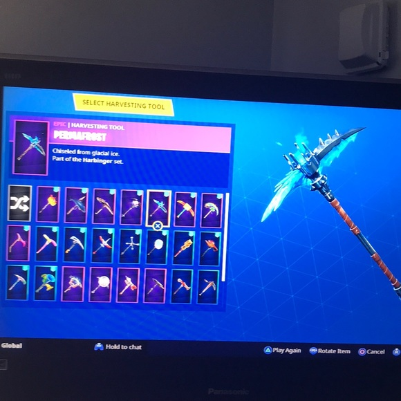 Fortnite account! Lots of skins, wins, and pickaxs
